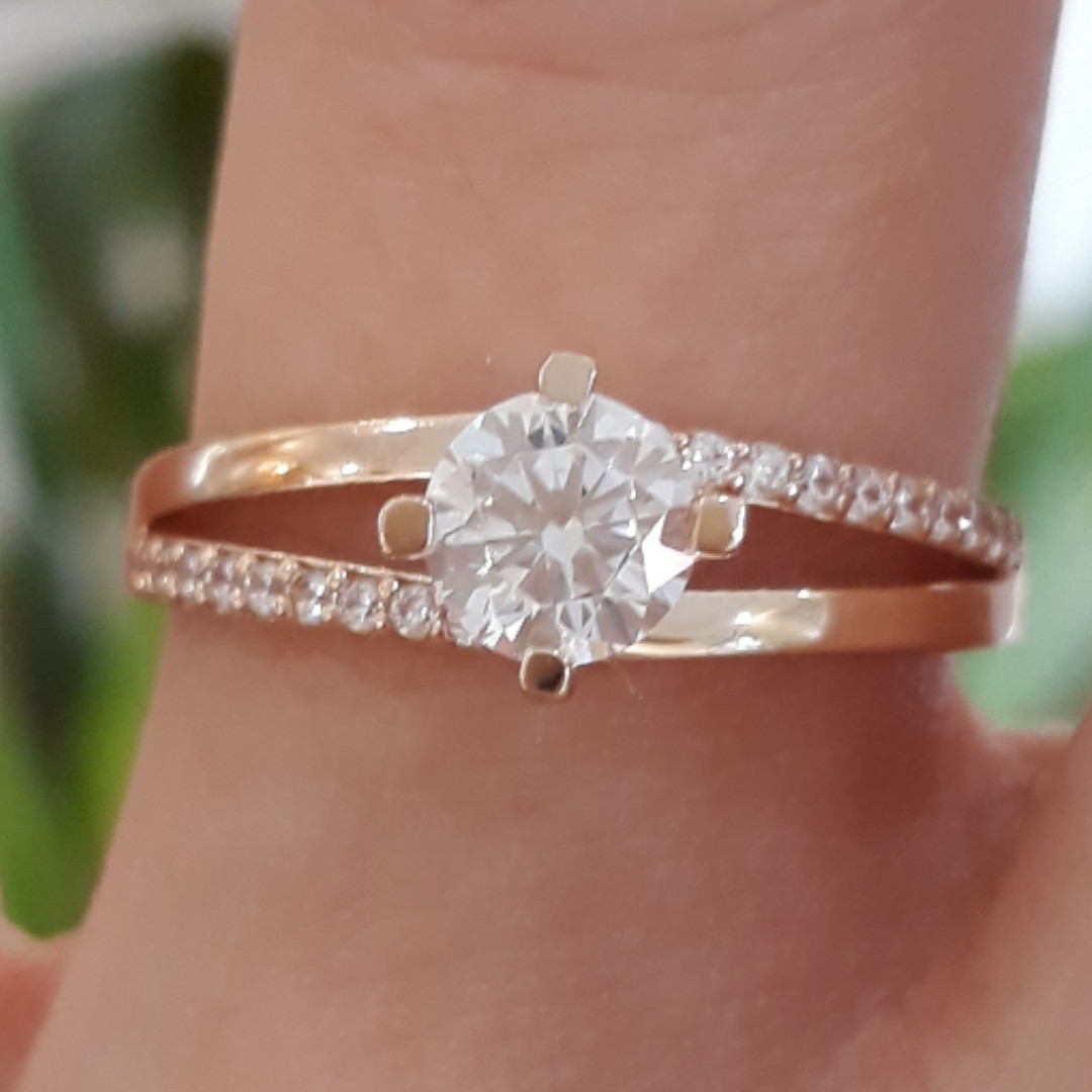 Каблучка на заручини золото - Золотое кольцо с одним камнем - Кольцо для помолвки золото