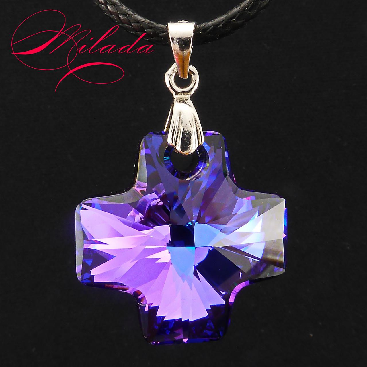 Кулон с кристаллом SWAROVSKI.