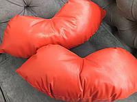 Подушка под голову - губы, красная, фото 1