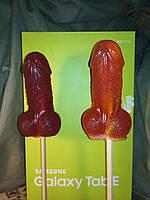 Леденец-конфета на палочке ВИЛЛИ - 11 см, красного цвета.