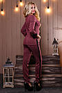 Женский брючный костюм трикотаж с лампасами прогулочный стильный повседневный марсала с люрексом, фото 4