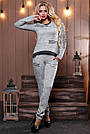 Женский брючный костюм р. от 44 до 50, трикотаж ангора с люрексом, серый, фото 2