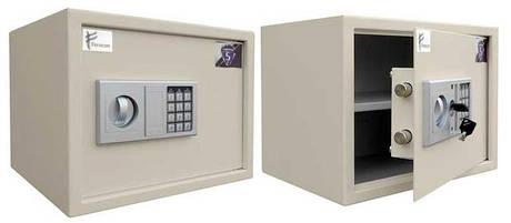 Сейфы, металлическая мебель, шкафы для раздевалок, ячеечные шкафы для хранения, верстаки, ключницы