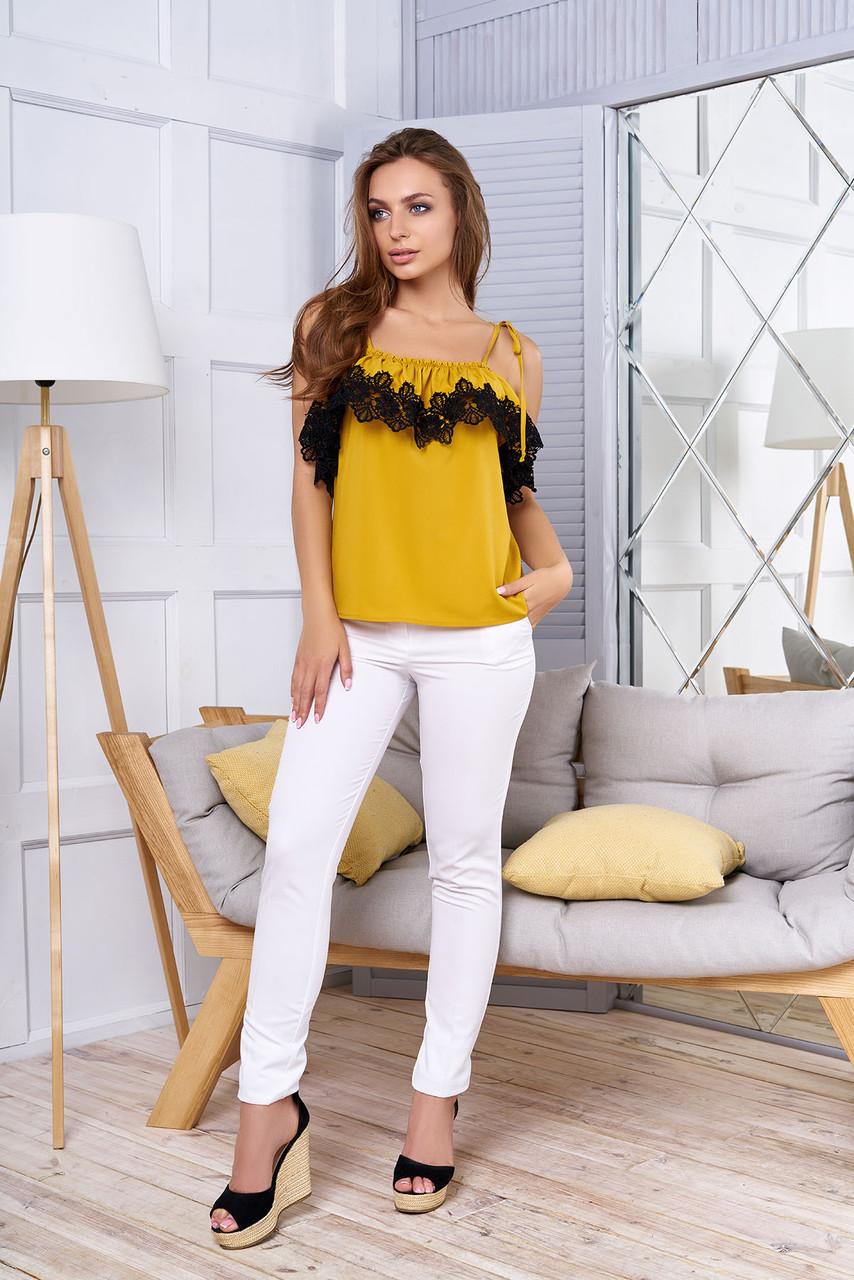 """Красива блузка літня з воланом і мереживом відкриті плечі """"Ілона"""" гірчичного кольору"""