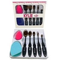 Набор кистей для макияжа Kylie  ( Кисти 5 шт. + спонж + щетка для очистки кистей )