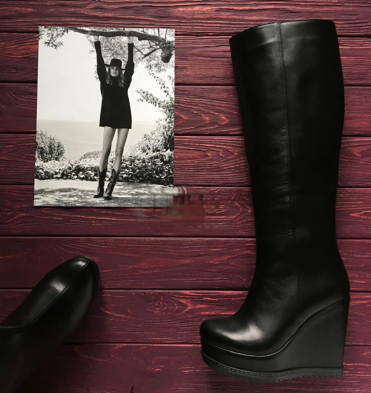 Женская обувь от производителя. Кожаные сапоги на танкетке. Модель отшивается в зимнем и демисезонном варианте