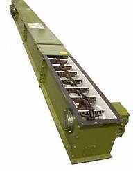 Скребковый конвейер длиной 3 м в коробе 160 мм укомплектован мотор-редуктором 0,55 кВт