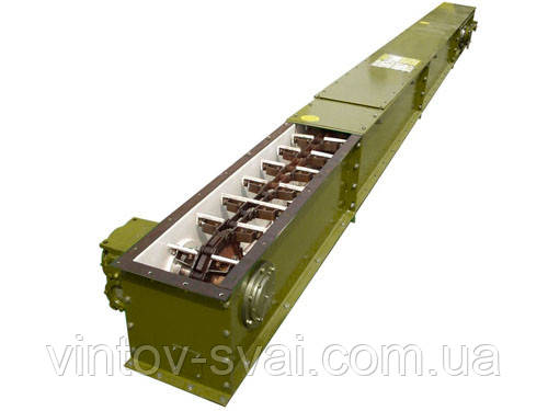 Скребковый конвейер длиной 2 м в коробе 320 мм укомплектован мотор-редуктором 0,75 кВт