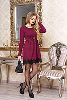 """Нарядное приталенное платье из ангоры в рубчик с кружевом внизу """"Лотос"""" (бордо)"""