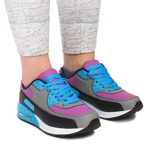 Женские разных цветов кроссовки на лето
