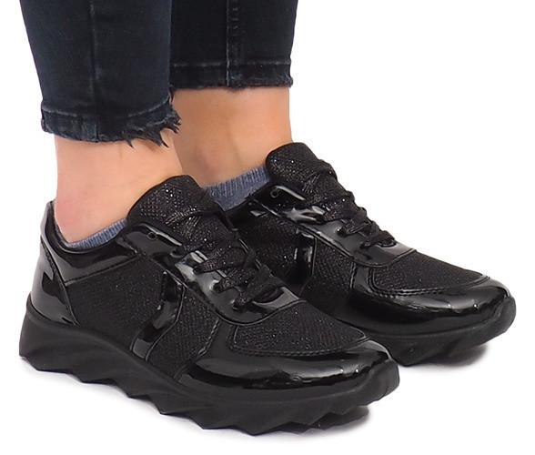 Женские кроссовки серебро, на рифлённой подошве