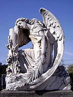 Мраморный Ангел с веткой в руке № 34