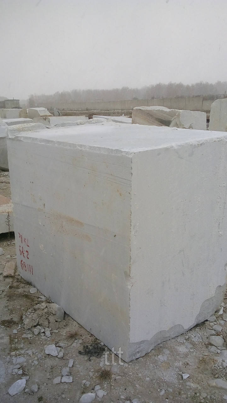 Продам мраморные блоки белого цвета фото, Российские мраморные блоки белые Коелга