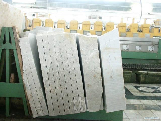 Заготовки из белого мрамора Плиты, слябы