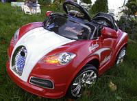 Детский кабриолет красного цвета