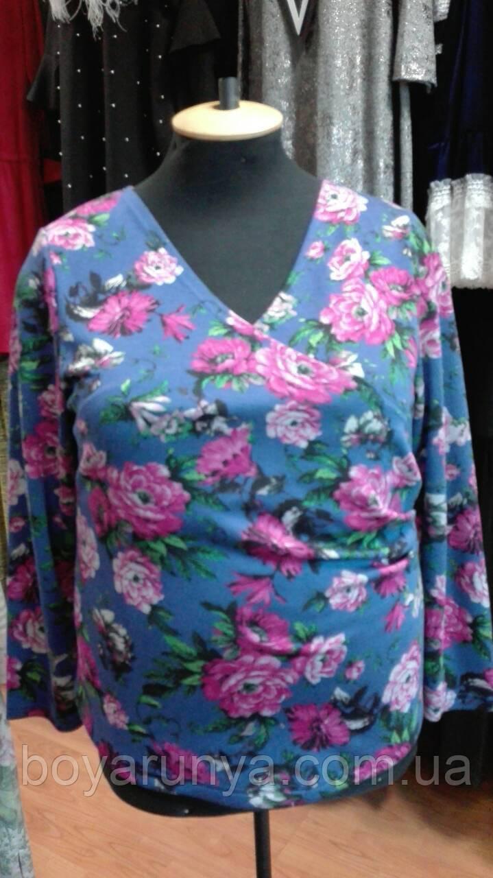 Блуза на запах в розовые розы