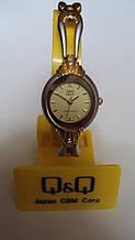 Наручний жіночий годинник Q &Q