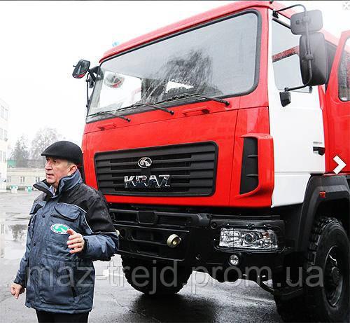 """КрАЗ потерял свое """"лицо"""" и представил грузовик с кабиной МАЗ"""