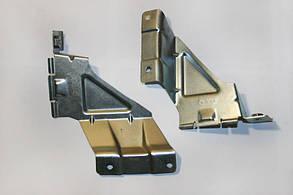 Кронштейн решетки радиатора 1118, пара Самара