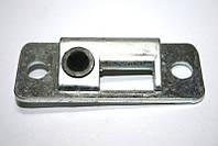 Планка замка багажника 1102 с пластмассовой втулкой покрытая