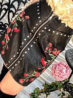 Стильная женская черная юбка экокожа с вышивкой и стразами