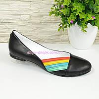 Женские черные кожаные туфли, декорированы разноцветными полосками., фото 1