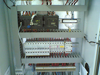 Программируемый контроллер Hitachi.