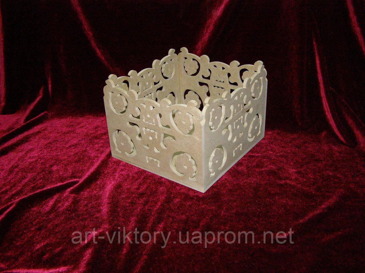 Короб різьблений (21 х 22 х 15 см), декор