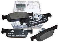 Комплект передних тормозных колодок на Рено Логан 2, Сандеро Stepway 2/ Renault ORIGINAL 410602581R