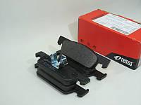 Комплект передних тормозных колодок на Рено Логан 2, Логан MCV, Сандеро Stepway 2/ Remsa 154000
