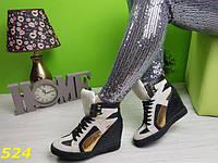 Ботинки сникерсы Касадеи черно-золотые, стильные, удобные, женская демисезонная обувь