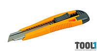 Нож пластмассовая ручка +2 лезвия, автозамок MASTERTOOL 17-0106
