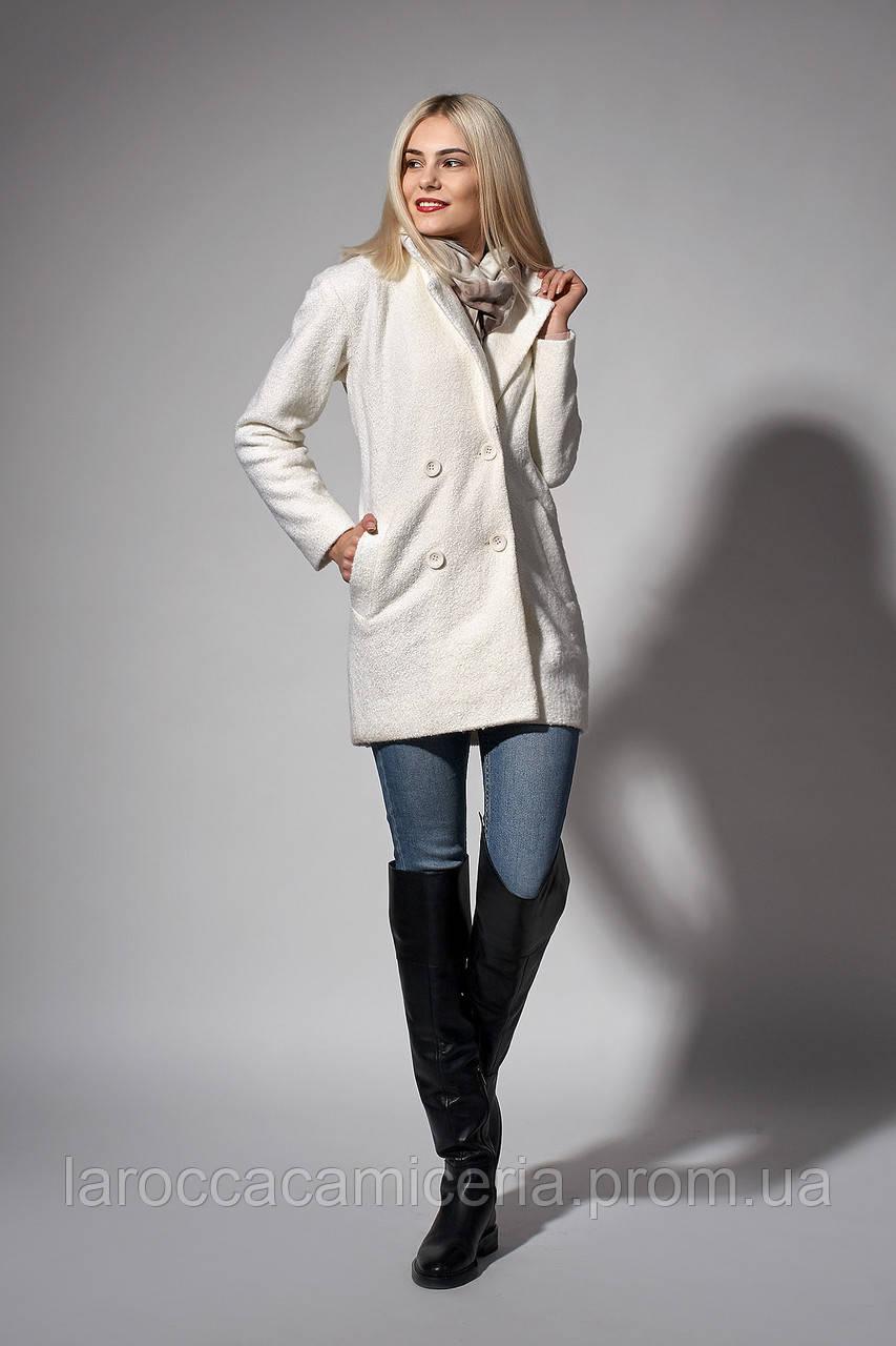 Пальто женское молодежное. Код модели П-04-51-17.2. Цвет молочный.