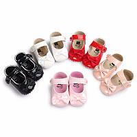Детские нарядные лаковые пинетки туфельки для крестин девочки