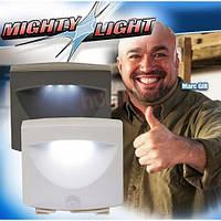 LED светильник с датчиком движения Mighty Light  Новинка!