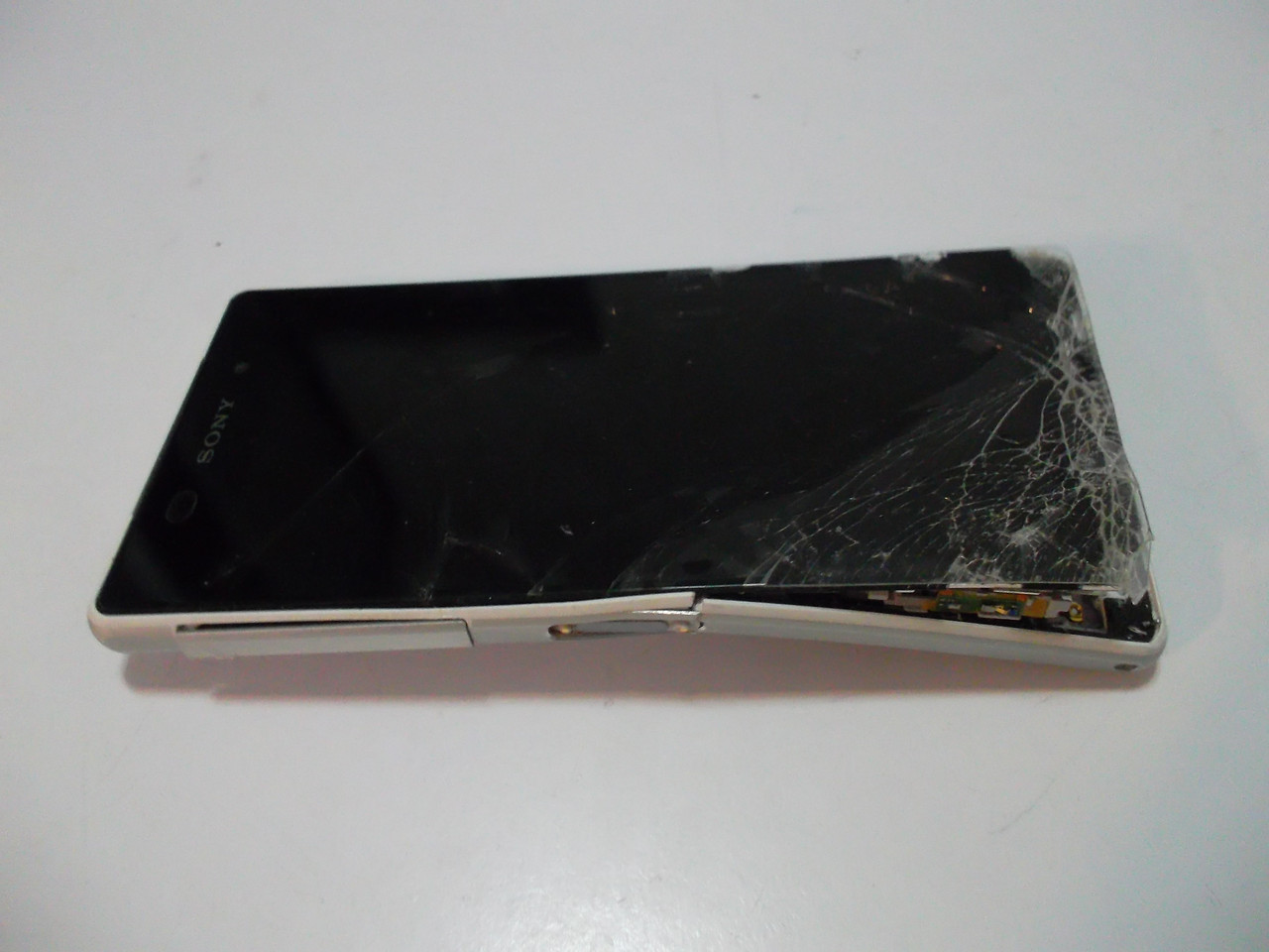 Мобильный телефон Sony D6503 №4091