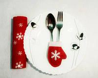 Варежка новогодняя для столовых приборов красный