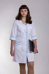 Медицинский халат с голубой каемкой
