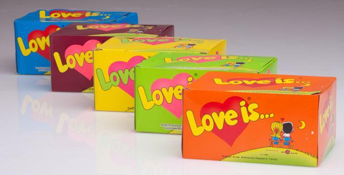 Жвачка Love is ассорти из 5 вкусов (упаковка 50 штук)
