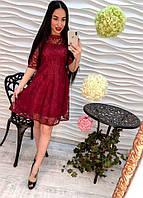 Кружевное бордовое женское платье.
