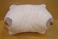 Сувенирная подушка-грудь из набивной овчины, фото 1