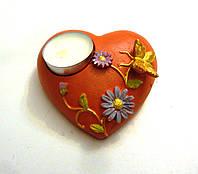 Свеча в керамической подставке в виде сердца