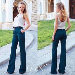 Классические брюки-клёш от колена с завышенной талией и застёжкой на молнию