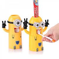 Автоматический диспенсер для зубной пасты с держателем для щеток Миньон. Посіпаки