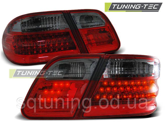 Задні ліхтарі MERCEDES W210 E-KLASA 95-03.02 RED LED SMOKE