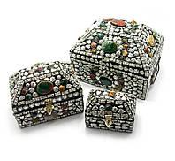 Сундуки металлические с камнями, набор