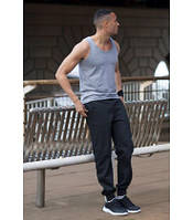 Мужские спортивные штаны с манжетом утепленные черные 3926-36