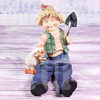 Статуэтка мальчик с лопатой