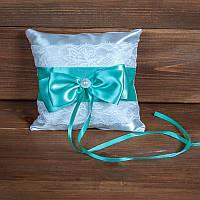 Свадебная подушечка для колец с кружевом с зелёной лентой (арт CR-204)