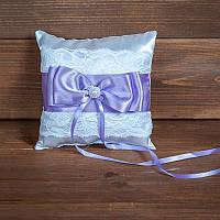 Свадебная подушечка для колец с кружевом и сиреневой лентой (арт CR-207)